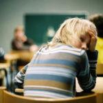 El origen de la tristeza infantil y del temor a decidir por sí mismo